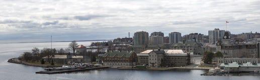 Città Ontario Canada ed il lago Ontario di Kiingston fotografia stock libera da diritti