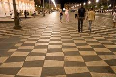 Città piacevole alla notte Immagine Stock