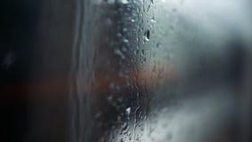 Città in pioggia stock footage
