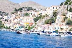 Città portuale nel mar Egeo La Grecia Immagini Stock Libere da Diritti