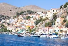 Città portuale nel mar Egeo La Grecia Fotografie Stock
