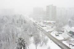 Città, precipitazioni nevose, una immagini stock