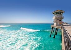 Città principale California della spuma della torre del bagnino di Huntington Beach Immagine Stock Libera da Diritti