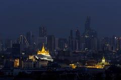 Città Scape, montagna dorata di Bangkok Punti di riferimento popolari dell'attrazione turistica di Wat Saket Ratcha Wora Maha Wih fotografia stock