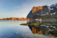 Città scenica di Reine sulle isole di Lofoten in Norvegia Fotografia Stock Libera da Diritti