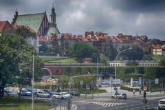 Città sopra il fiume Varsavia sopra la Vistola La vecchia città è il polacco ed i boulevard viennesi Grattacieli e storico Immagine Stock Libera da Diritti