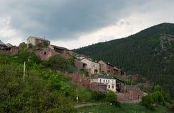 Città spagnola nei Pyrenees Fotografia Stock
