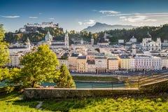 Città storica di Salisburgo al tramonto, terra di Salzburger, Austria Fotografie Stock Libere da Diritti