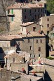 Città storica Sorano, Toscana, Italia immagini stock