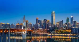 città sul fiume Fotografia Stock Libera da Diritti