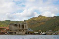 Città sulla cresta della montagna e della costa Port Louis, Isola Maurizio Fotografia Stock Libera da Diritti