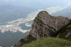 Città sulla valle fotografie stock libere da diritti