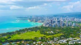 Città tropicale dell'isola sulla spiaggia Fotografia Stock