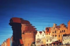 Città Vecchia si è rispecchiato in fiume Fotografia Stock Libera da Diritti