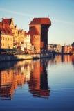 Città Vecchia si è rispecchiato in fiume Fotografie Stock Libere da Diritti