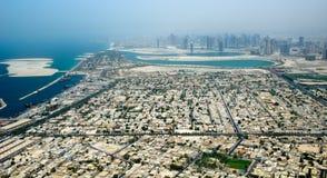 Città della Doubai dalla vista di occhio dell'uccello Immagini Stock