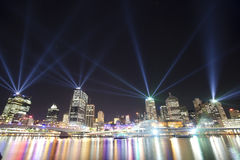 Città di Brisbane dell'esposizione del laser degli indicatori luminosi Fotografia Stock