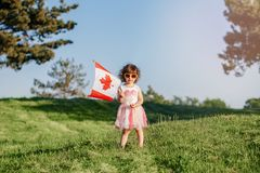 Cittadino del bambino del bambino che celebra giorno del Canada sul primo luglio fotografie stock libere da diritti