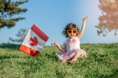 Cittadino del bambino del bambino che celebra giorno del Canada sul primo luglio immagine stock libera da diritti