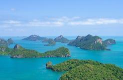 Cittadino Marine Park di AngThong Vista aerea sopra il gruppo di isola in mare delle Andamane, zona del sud della Tailandia immagini stock