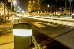CityÂ的光在夜之前 库存照片