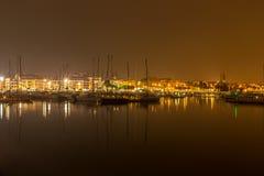 CityÂ的口岸在夜之前 免版税库存照片