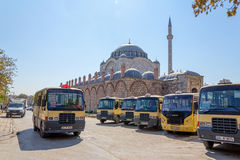 City buses near the Mihrimah Sultan Mosque Royalty Free Stock Photos
