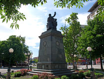 City downtown with a monument to soldiers for the unification of Serbia in the Balkan wars and the First World War Stock Image