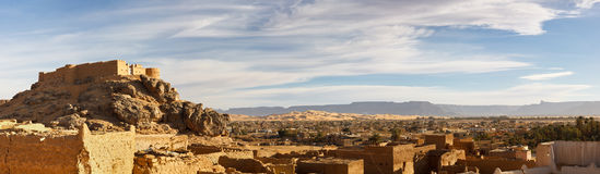 City of Ghat, Akakus (Acacus) Mountains, Libya. Old City (Medina) and  Fortress (Koukemen) of Ghat, Akakus (Acacus) Mountains, Sahara, Libya - Panoramic View Stock Photos