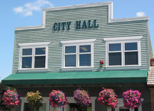 City Hall. Building decorated with hanging flower baskets in Snoqualmie, Washington stock photography