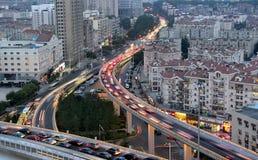 City Road à la chute de nuit Photos stock