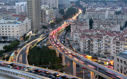 City Road na queda da noite Fotos de Stock