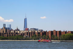 City Sightseeing boat in Lower Manhattan Stock Photos