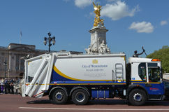 City of Westminster Garbage truck outside Buckingham Palace, Lon Stock Photo