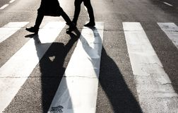 Pedestrians crossing the street Royalty Free Stock Photography