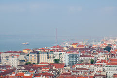 Cityl Лиссабона Взгляд Aereal на солнечный день от замка Сан Джордж Стоковое Изображение RF