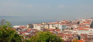 Cityl van Lissabon Aerealmening op zonnige dag van San Jorge Castle Stock Afbeeldingen