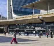 CityLife购物区,打开在2017年10月是与100家商店的一个购物中心在Tre Torri区 免版税库存照片