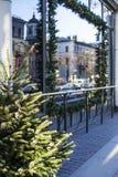 Citylife en la Navidad Decoración del escaparate Fotografía de archivo libre de regalías