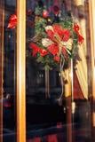 Citylife en la Navidad Decoración del escaparate Foto de archivo libre de regalías