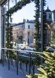 Citylife en la Navidad Decoración del escaparate Fotos de archivo libres de regalías