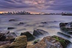 Cityline Bradley Rocks Sunset di Sydney Fotografie Stock Libere da Diritti