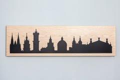 Cityline di vecchia città di Leopoli ha scolpito in legno Fotografia Stock Libera da Diritti