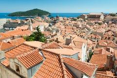 Cityoverlook z wyspą w plecy Zdjęcia Royalty Free