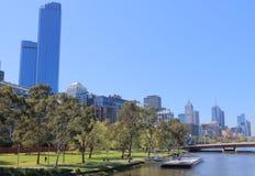 Cityscape Australië van de waterkant van Melbourne Stock Afbeeldingen