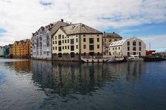 Cityscape av Aalesund, Norge - arkitekturbakgrund royaltyfri bild