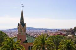 Cityscape av Barcelona från parkerar Guell, Spanien Arkivbilder