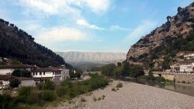 Cityscape av Berat i Albanien arkivbilder