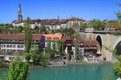 Cityscape av Bern och den Aare floden, Schweitz Fotografering för Bildbyråer