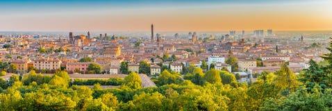 Cityscape av bolognaen Fotografering för Bildbyråer
